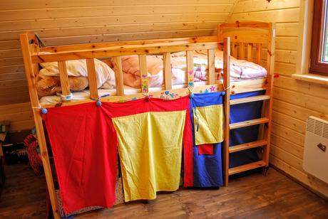 Detská posteľ,