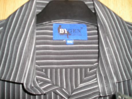 Čierna košeľa s pásmi veľk. 41 s poštovným, 40