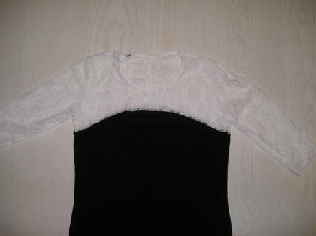 Čierna tunika s bielou krajkou , M
