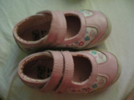 Kvetinkové topánky na dva suché zipsy, 22