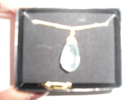 Pekný náhrdelník + náušničky /kvapka/,