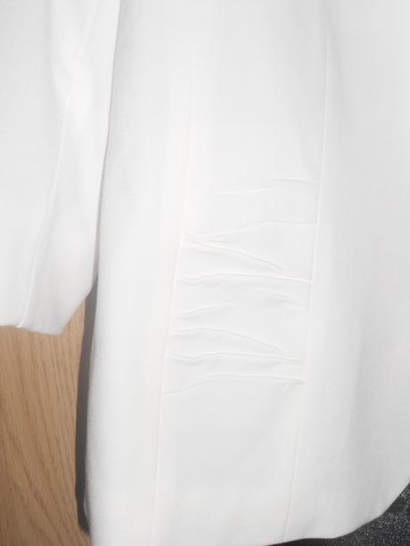 Sukňový kostým, 48