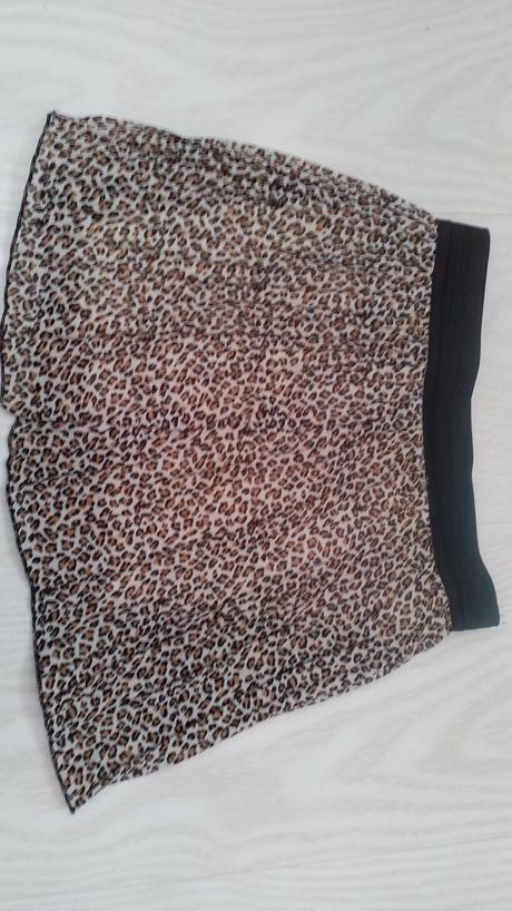 Tigrovaná sukňa, 104