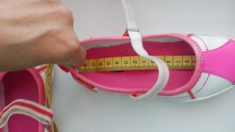 Topánky s poštovným, 28