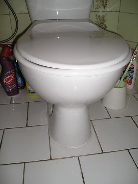 Záchod zn. KOLO,