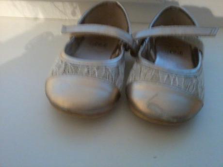 Zlaté balerínky s poštovným, 26