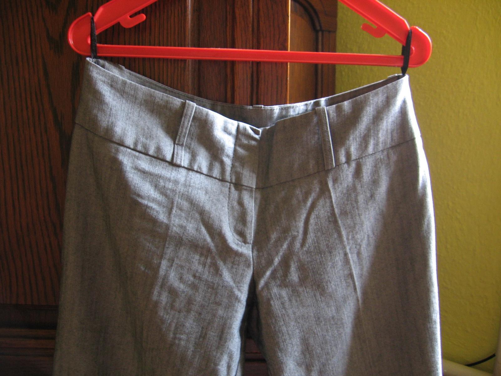 f2a49db06927 Sedy biznis kostym - 3 kombinacia