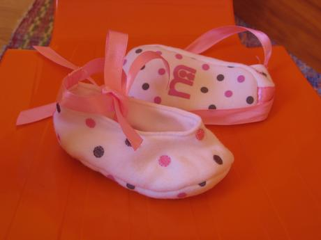bodkovane nenosene latkove balerinky zn.Mothercare, 18