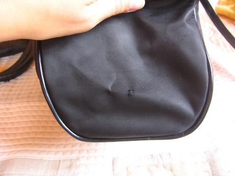 cierna spolocenska kabelka, S