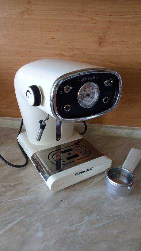 Retro kávovar, minimálne používaný,