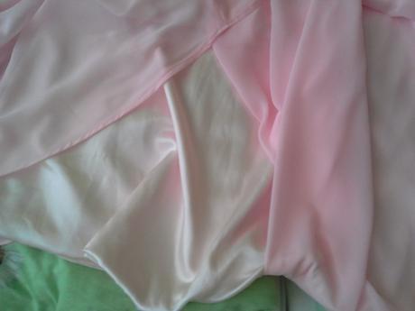 Spoločenské šaty s vlečkou, na šnurovačku , 38