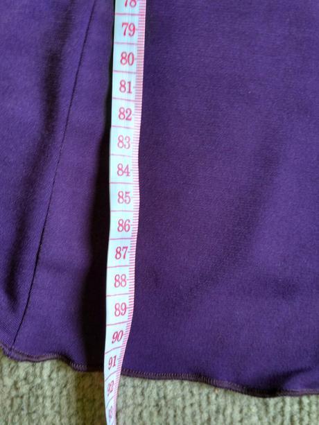 Fialové letné spoločenské šaty, 36