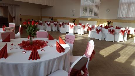 Svadobná výzdoba červeno biela,