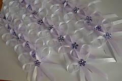 fialkové svadobné pierka ,