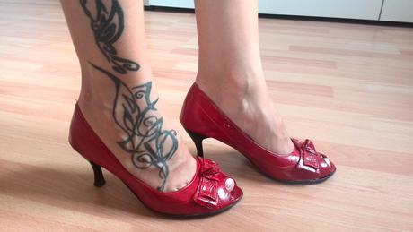 Cervene lodicky, 35