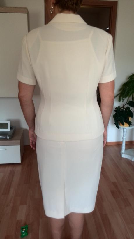 suknovy kostym, 40