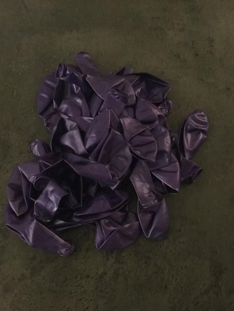 Balonky lila lataxové nepoužité,