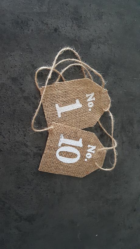 Jutové cedulky s číslicemi - nepoužité,
