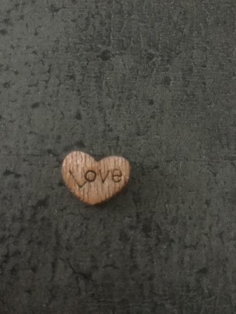 Srdíčka dřevěná dekorativní,