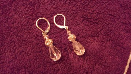 náhrdelník a naušnice,