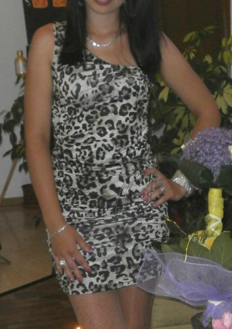 Mini šaty, 36