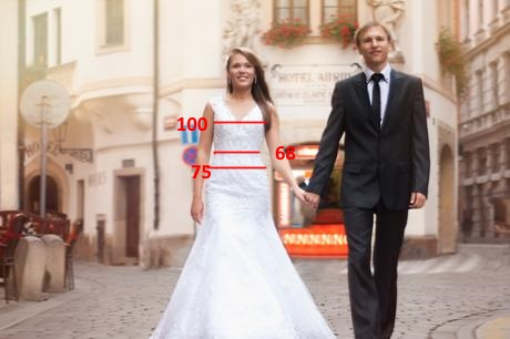 Rozkošné šaty s vlečkou a výstřihem na zádech , 36