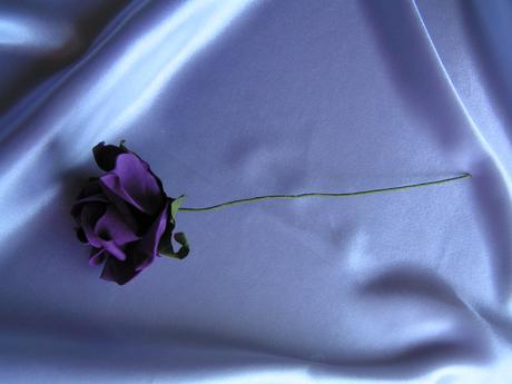 Fialová pěnová růže - 7 cm,