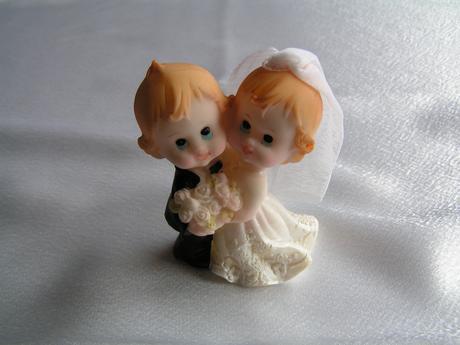 Figurka nevěsta a ženich,