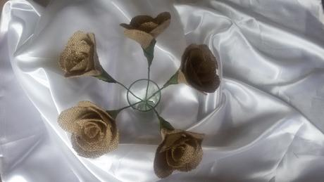 Jutová růže,