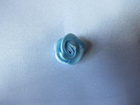 Modré saténové růžičky - 2 cm,