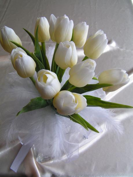 Neživá kytice z tulipánů,