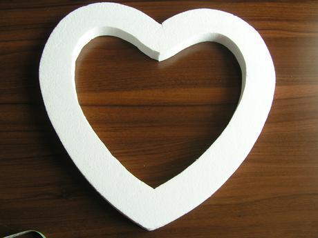 Polystyrenové srdce cca 40 x 40 cm,