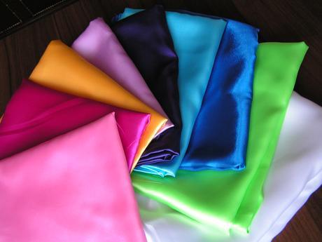 Satén - různé barvy,