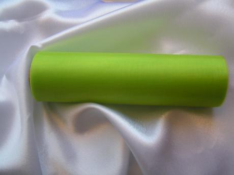 Světle zelená organza 16 cm x 9 m,