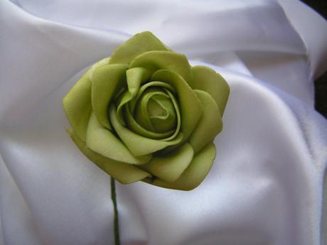 Zelená pěnová růže - 7 cm,