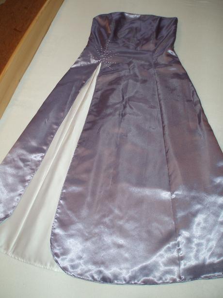 Společenské šaty , 42