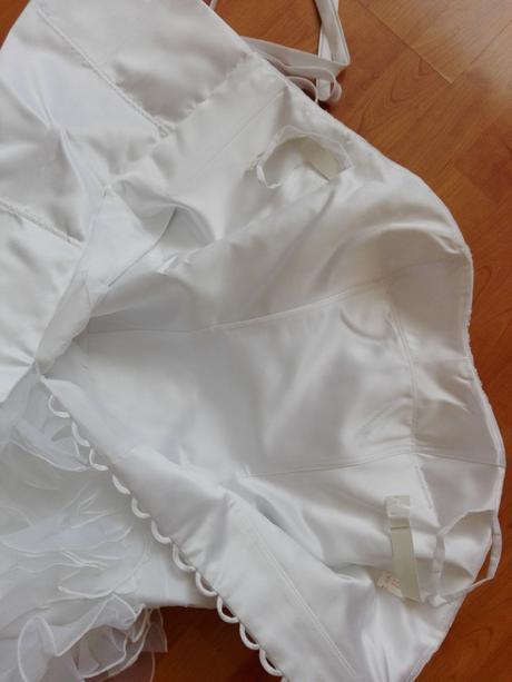 nenosené šaty 36-40 cena s postou, 38