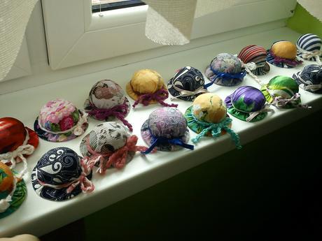 klobučiky ,ihelníky.,