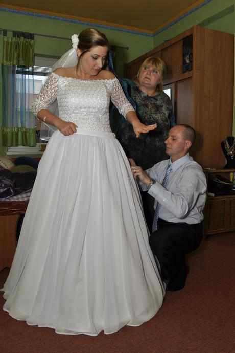 Šaty s dlouhou i krátkou sukní, 42