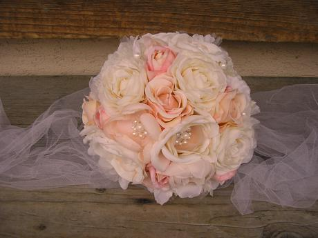 Svadobná kytica s pierkom pre ženícha ,