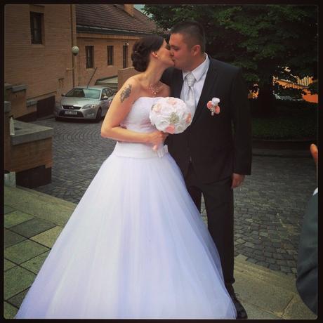 Brožový set pro nevěstu, ženicha a svědkyni,