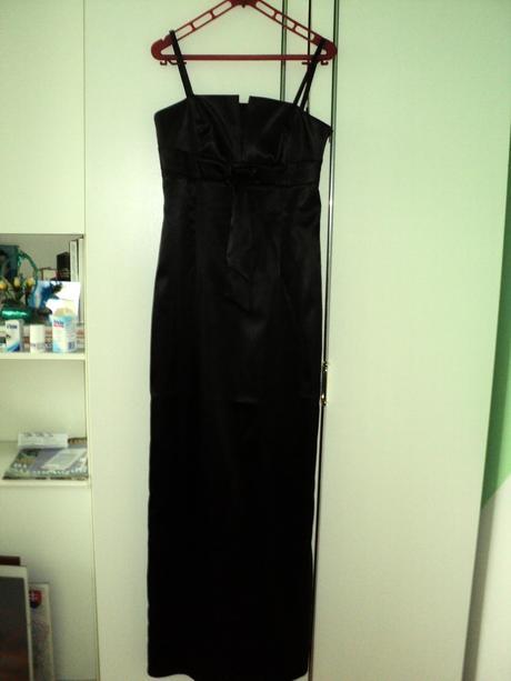 spoločenské šaty čiernej farby, 36