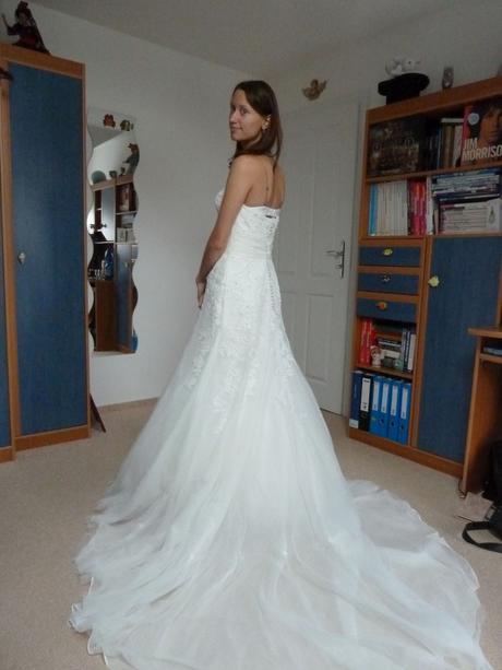 Krajkové svatební šaty Pronovias, 32