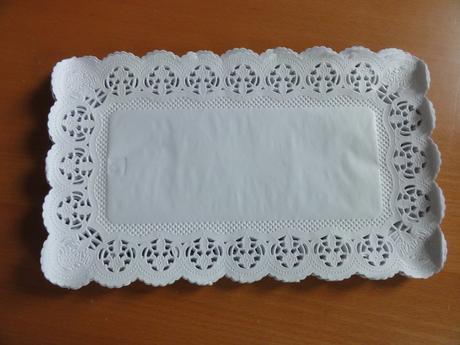 Papírové krajky 30x18 cm, 80 ks,