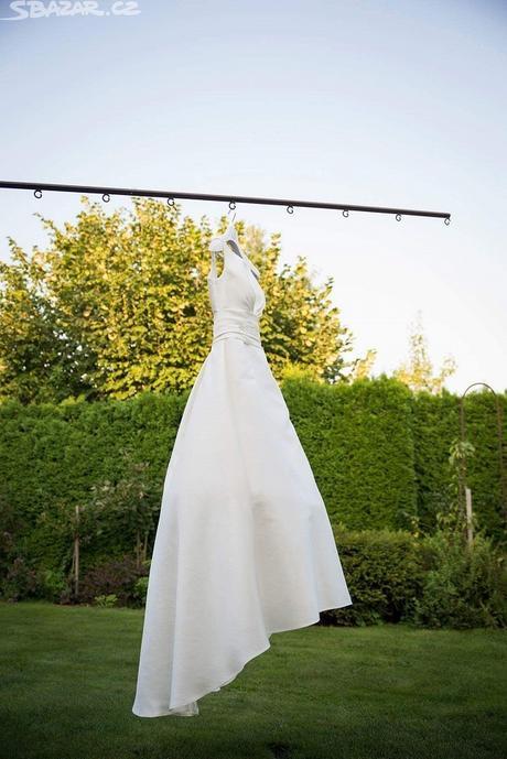 Luxusní svatební šaty se závojem model 2016 , 36