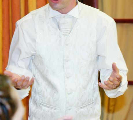 kremova vesta a kravata, velkost 46, 46