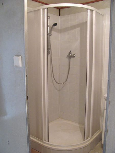 Sprchový kout Ravak s keramickou vaničkou,