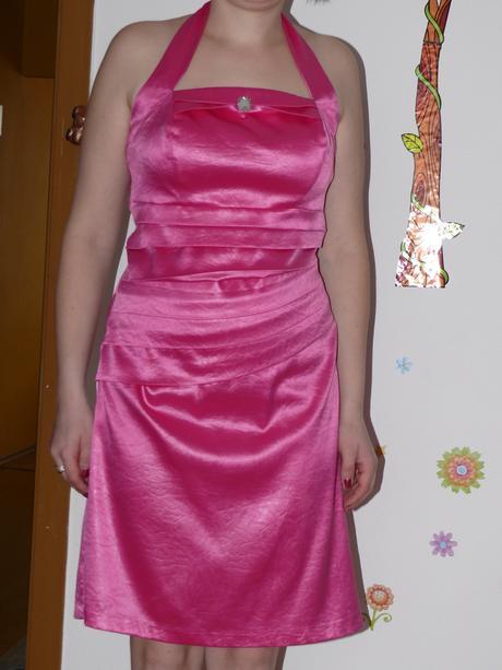 Spoločenské šaty okolo krku, 40
