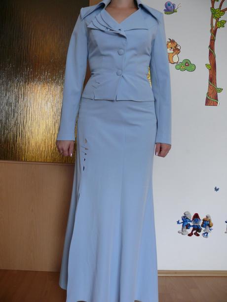 Suknový kostým, 38