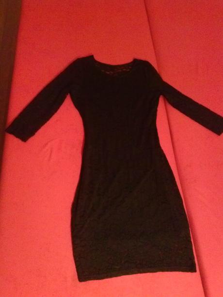 Čipkované šaty, 36